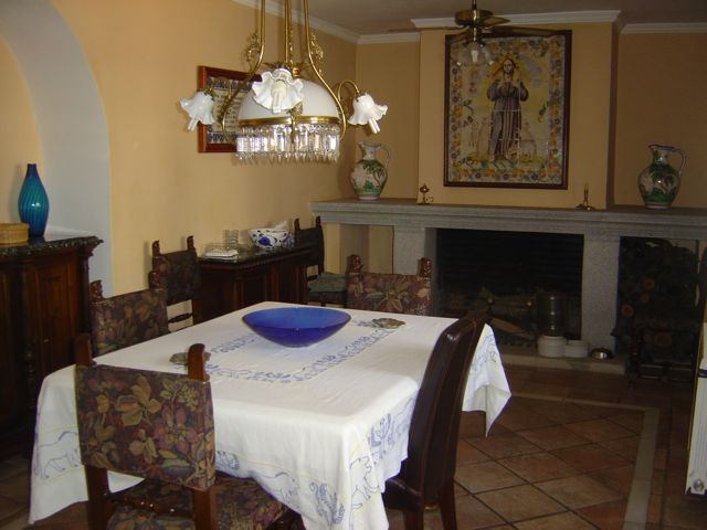 """Facilities at """"Los Claros"""". Dining room"""